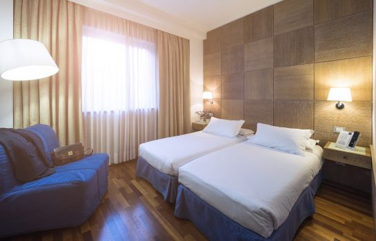 Double room (standard) IH Hotels Firenze Business