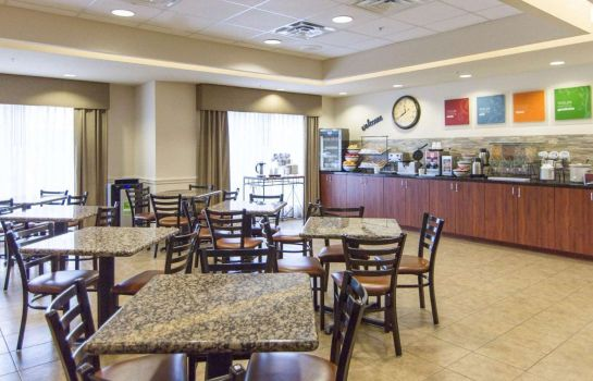 Restaurant Comfort Inn & Suites Airport