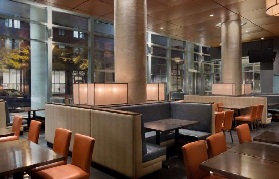 Hotelhalle Embassy Suites by Hilton Montreal