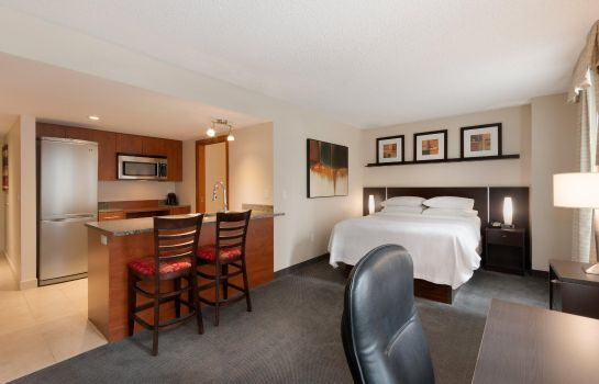 Suite Embassy Suites by Hilton Montreal