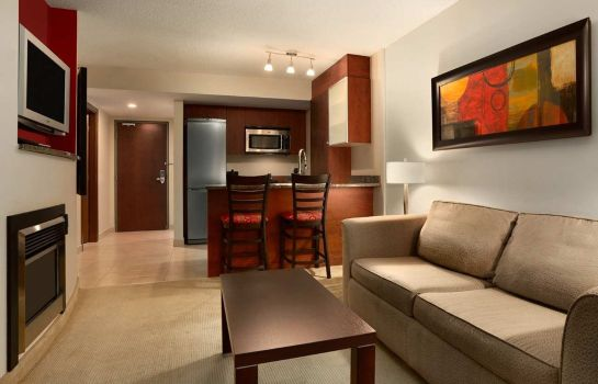 Zimmer Embassy Suites by Hilton Montreal