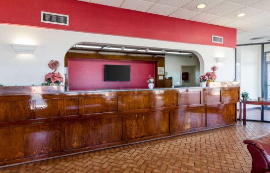 Hotelhal Econo Lodge Inn & Suites Conference Center