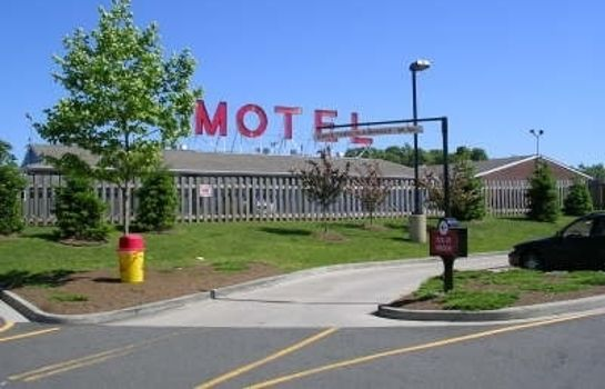 Vista exterior MAYFLOWER MOTEL MILFORD