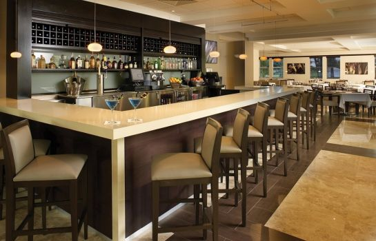 Bar del hotel Provident Doral at The Blue
