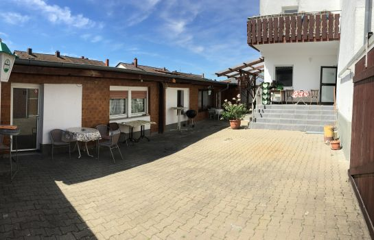 Terrasse Mainzer Rad Pension