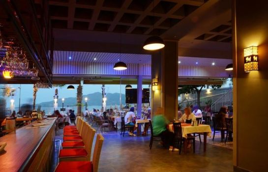 Bar del hotel Maris Beach Otel