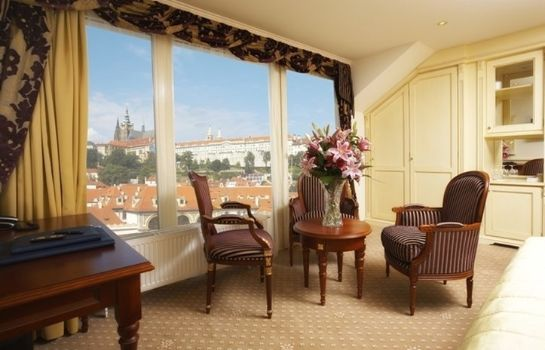 Suite Luxury Family Hotel Royal Palace