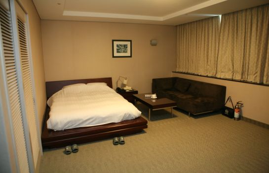 Double room (superior) Gumi Century