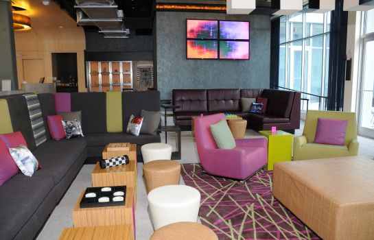Hotel bar Aloft Charleston Airport & Convention Center