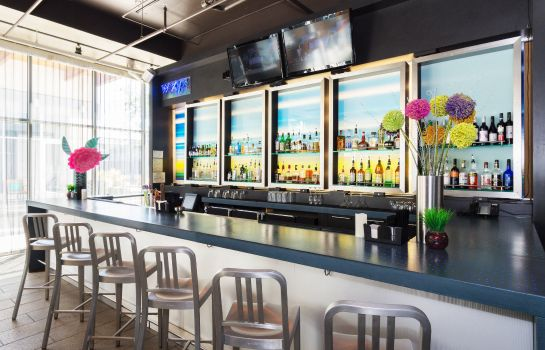 Restaurant Aloft Charleston Airport & Convention Center