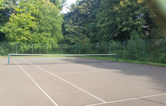 Campo de tennis Haughton Hall