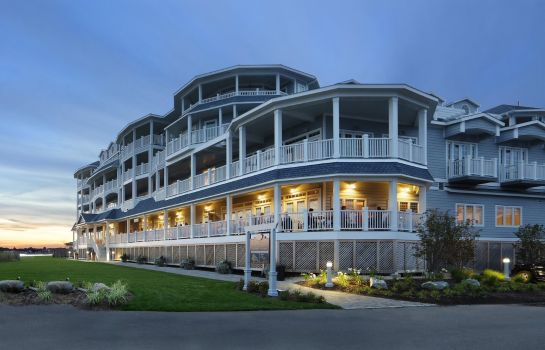 Vista exterior Madison Beach Hotel Curio Collection by Hilton