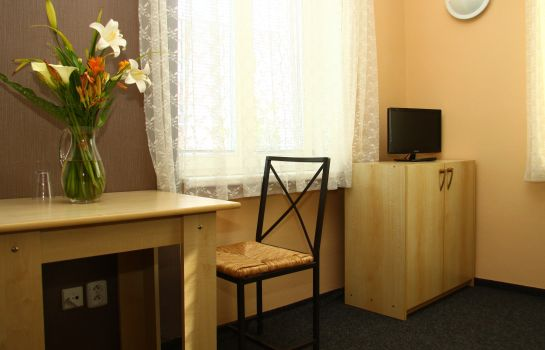 Double room (standard) Almond