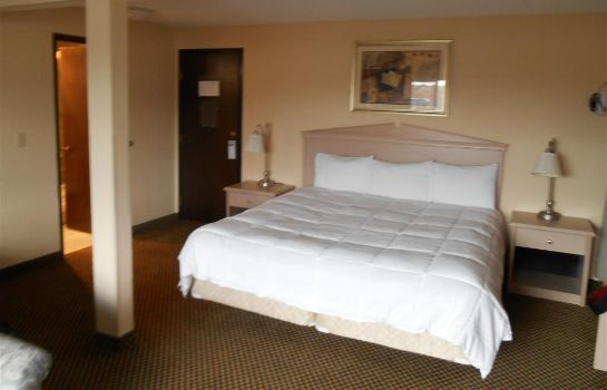 Zimmer GUESTHOUSE INN AND SUITES
