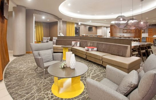 Hotelhalle SpringHill Suites Wichita East at Plazzio