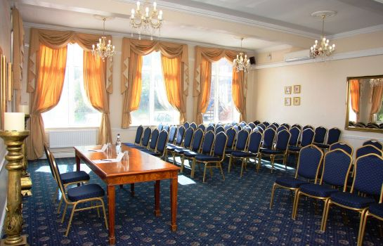 Conference room Thurrock Hotel