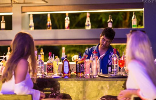 Hotel bar Peace Laguna Resort & Spa