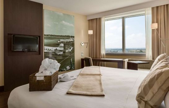 Room NH Lyon Airport