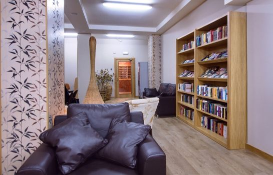 Reading room Mediterraneo Real Apartments