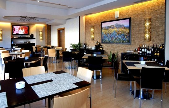 Restaurant 1 Mediterraneo Real Apartments