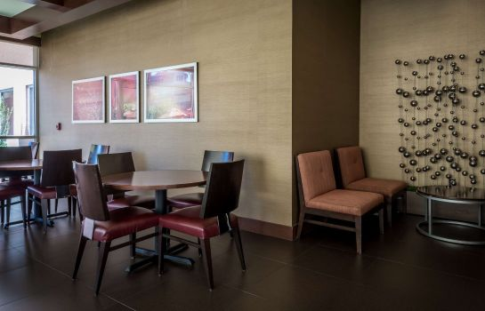 Restauracja SpringHill Suites Birmingham Downtown at UAB