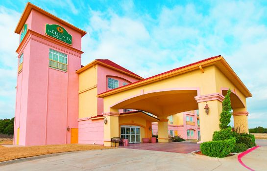 Exterior view La Quinta Inn Ste Glen Rose
