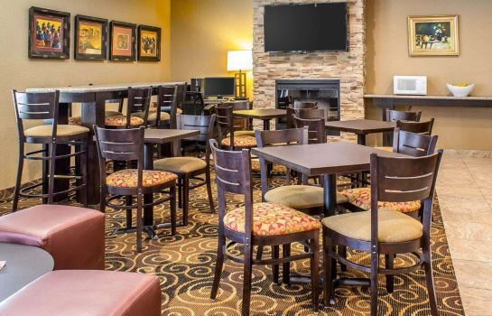 Restaurant Rodeway Inn & Suites near Okoboji Lake