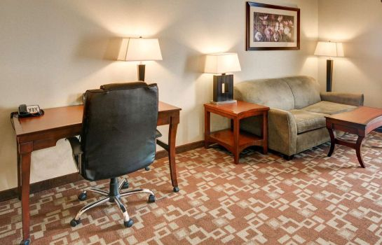 Suite Comfort Suites Near Northeast Mall