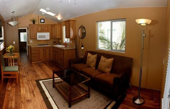 info Arden Acres Executive Suites and Cottages