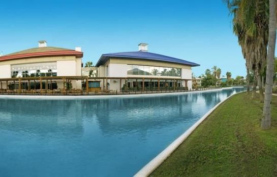 Info PortAventura Hotel Caribe - Theme Park Tickets Included