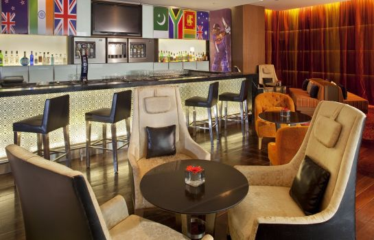 Hotelbar Holiday Inn MUMBAI INTERNATIONAL AIRPORT