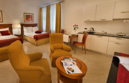 Four-bed room Hotel Leon D´Oro