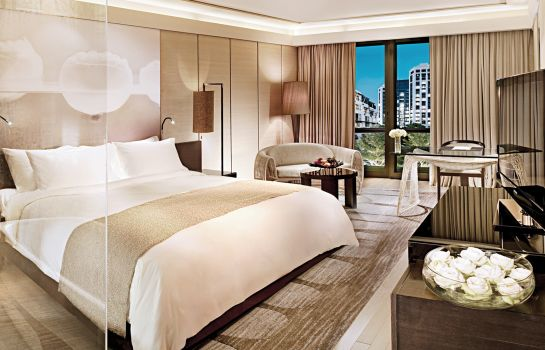 Single room (superior) Siam Kempinski Hotel Bangkok