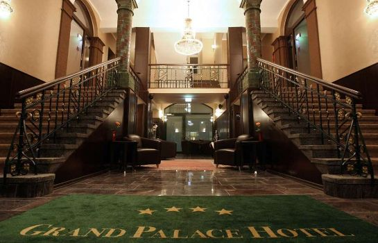 Hotelhalle Grand Palace