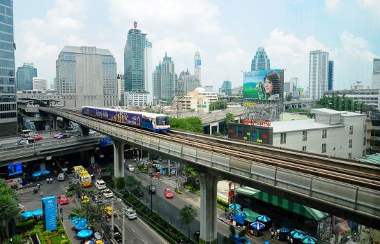 Buitenaanzicht Legacy Express Sukhumvit by compass Hospitality