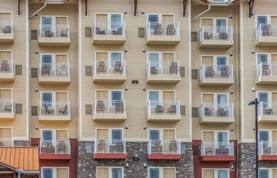 Exterior view Clarion Inn Pigeon Forge