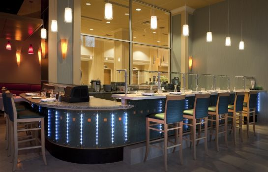 Bar del hotel DoubleTree Suites by Hilton Detroit Downtown - Fort Shelby