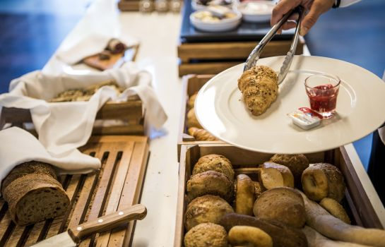 Breakfast buffet HOTEL APART – Welcoming I Urban Feel I Design