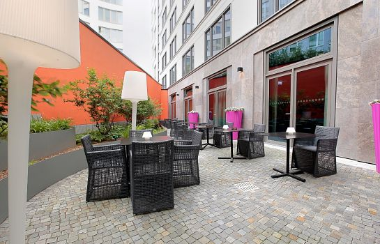 Terrace Adina Apartment Hotel Hackescher Markt