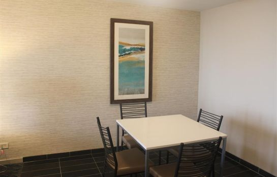 Suite BEST WESTERN ILLINOIS BEACH RESORT AND C