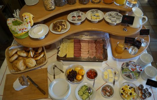 Breakfast buffet Hotel-Reischenau