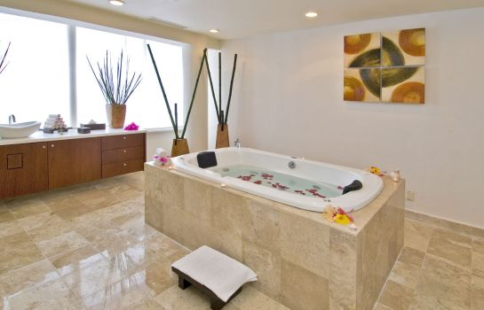 Jaccuzi Ocean Maya Royale by H10 Hotels