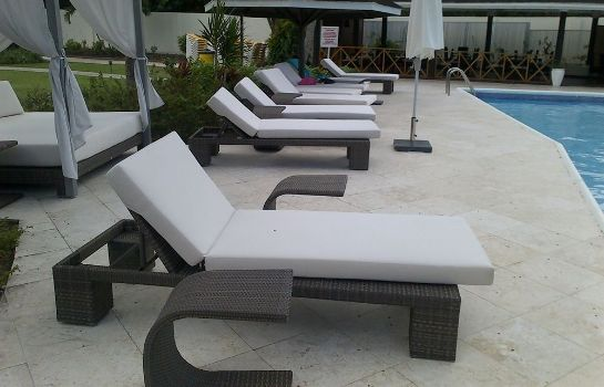 Terraza Discovery Bay by Rex Resorts
