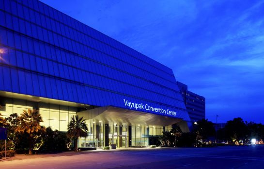 Convention hall Centra by Centara Government Complex Hotel & Convention Centre Chaeng Watthana