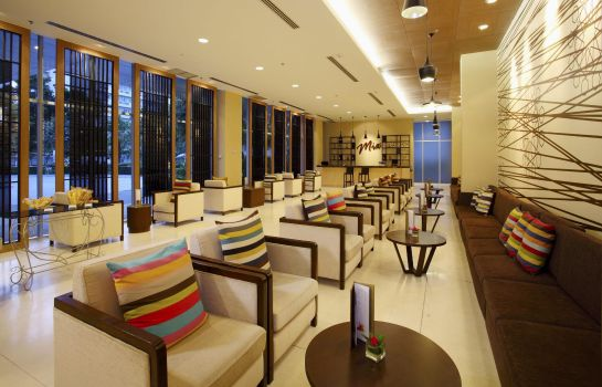 Hotel bar Centra by Centara Government Complex Hotel & Convention Centre Chaeng Watthana