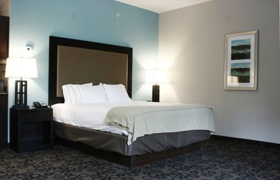 Zimmer Holiday Inn Express & Suites CLEVELAND NORTHWEST