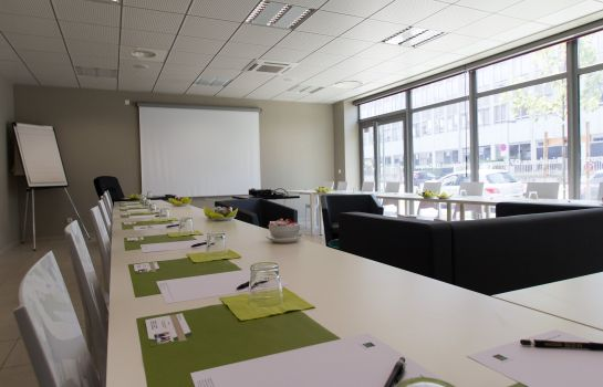 Conference room Quality Suites Lyon 7 Lodge