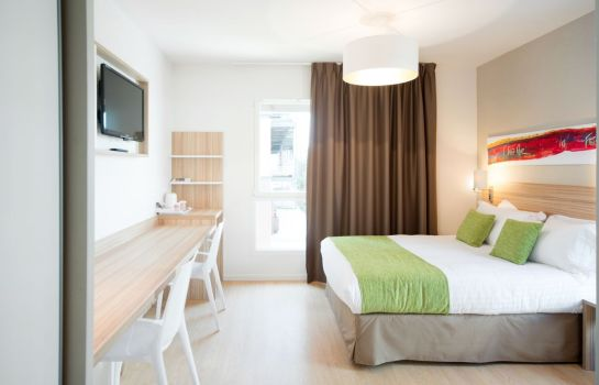 Single room (standard) Quality Suites Lyon 7 Lodge