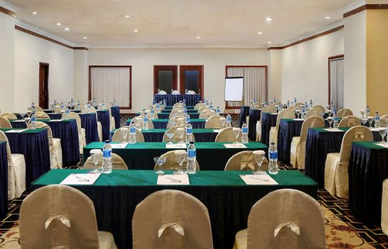 Conference room Grand Mercure Maha Cipta Medan Angkasa