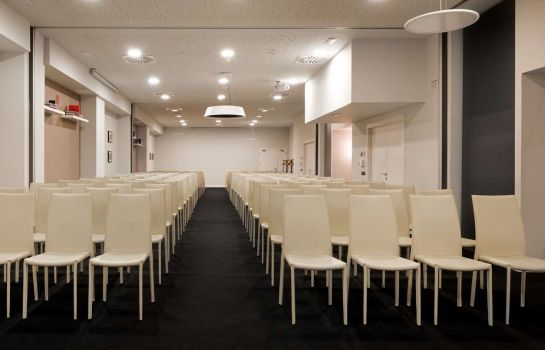 Conference room NH Collection Madrid Suecia